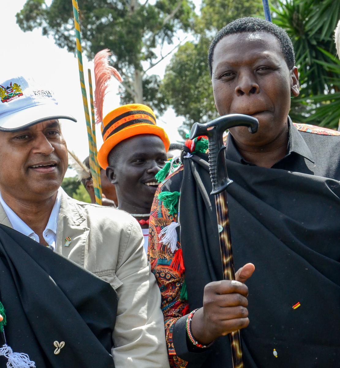 L'ancien Coordonnateur résident des Nations Unies au Kenya Siddharth Chatterjee, le Secrétaire de cabinet Eugene Wamalwa, des Chefs de mission des Nations Unies et d'autres partenaires de développement au Kenya.